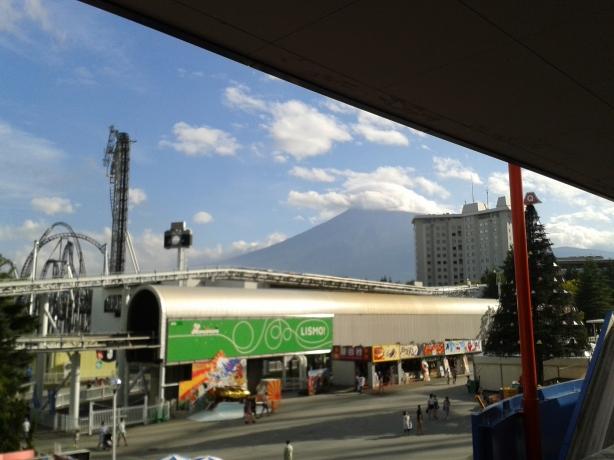 View from Fujiyama queue, Dodonpa and Takabisha in foreground, Mt. Fuji in background.
