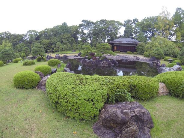 Just a little side garden, Nijo-jo